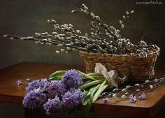 Kosz, Bazie, Stół, Kwiaty