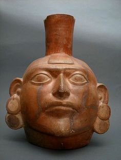 A Mochicas Terracotta Head The best example of pottery produced before the days of the Inca Empire is found in the ceramics produced by the Moche or Mochica culture that thrived from 100 to 700 AD in the northern Peruvian coast. Ancient Peruvian, Peruvian Art, Ancient Egyptian Art, Ancient Aliens, Ancient Greece, Inca Empire, Mexico Art, Native American Artifacts, Mexica