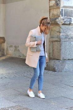 Weiße Sneaker kombinieren: Die coolsten Looks zum Nachstylen