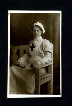 "Vintage RED CROSS NURSE ""Relaxing"" UK 1915 WW 1 Postcard"
