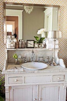 I love the marble shelf with curvy de casas design design and decoration design house design Bad Inspiration, Bathroom Inspiration, Home Interior, Interior Design, Bathroom Interior, Interior Modern, Interior Ideas, Chic Bathrooms, Small Bathrooms
