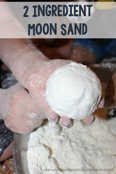 Easy 2-Ingredient Moon Sand #DirtDevil360Clean #PMedia #Ad