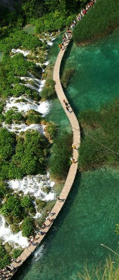 The most beautiful place in Croatia called Plitvice Lakes in Croatia! Visit Croatia, Croatia Travel, Places To Travel, Places To See, Saint Marin, Travel Around The World, Around The Worlds, Les Balkans, Plitvice Lakes National Park