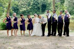 fun wedding party photo idea