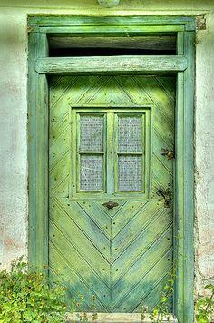 Abandoned house in Hodruša-Hámre, Slovakia A green front door would be nice . but not this shade of green Cool Doors, Unique Doors, Door Knockers, Door Knobs, Portal, Yellow Doors, Green Doors, When One Door Closes, Door Entryway