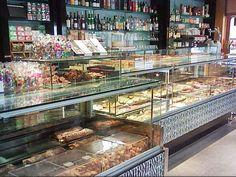 Dulces de pueblo que bien merecerían un viaje - Gastronomistas Shaped Cookie, Townhouse, Traditional Kitchen, Sweets, Voyage