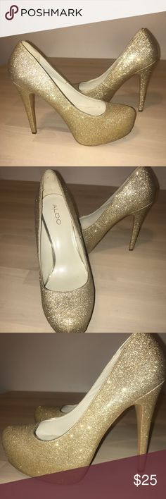 NWOT golden glitter Aldo heels Golden sparkle heels from Aldo, never worn! Tried on once but never worn outside of the apartment, I'm perfect condition. Platform makes them super comfortable. Perfect statement piece for any night out or event! Aldo Shoes Heels