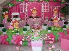 Strawberry Shortcake Birthday, Strawberry Baby, 1st Birthday Parties, Berries, Alice, Baby Shower, Strawberry Shortcake Party Supplies, Lollipop Centerpiece, Cake Photos