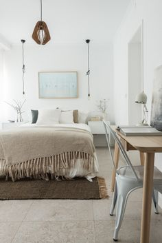Laid-Back Lisbon Apartment Opens Up to Let In Light - http://freshome.com/laid-back-lisbon-apartment/