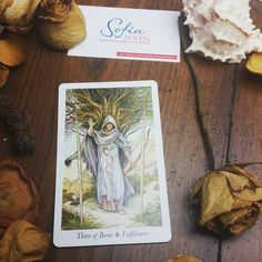 This post contains energy work to help you comment YES to receive. Today's #Intuitive #Tarot Card reading is 3 of Wands