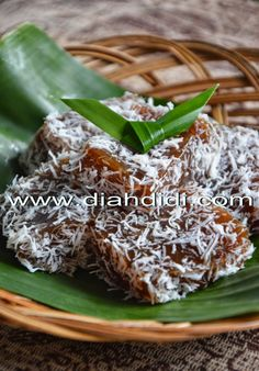 Diah Didi's Kitchen: Kue Ongol Ongol..Yang Jadul Yang Paling Enak..Ternyata Memakai Tepung Garut...^^