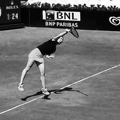 The winner is #simonahalep ... #ibi2017 #tennis #internazionali #internazionalibnl #wta #welcometotheclub #inmyhead #goodvibes #bw #blackandwhite #winner