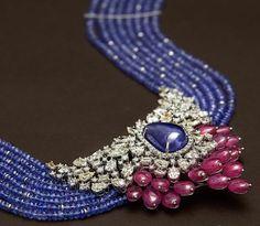 Fulfill a Wedding Tradition with Estate Bridal Jewelry Gold Jewelry Simple, Stylish Jewelry, Fashion Jewelry, Jewelry Sets, Indian Wedding Jewelry, Indian Jewelry, Bridal Jewelry, Indian Bridal, Bead Jewellery