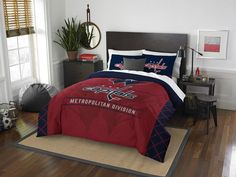 The Dallas Cowboys full size bed in a bag set is everything you need for an NFL fan bedroom. Bedding set includes 1 Dallas Cowboys comforter, shams, sheet set, and some NFL Dallas Cowboys pillows for the sports fan! Denver Broncos, Dallas Cowboys Football, Cincinnati Bengals, Seattle Seahawks, Football Team, Indianapolis Colts, Eagles Nfl, Pittsburgh Steelers, Nfl Seahawks