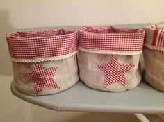 Joulu pussukat Hessian, Burlap, Fabric Storage Boxes, Sewing Box, Denim Bag, Gift Bags, Seasonal Decor, Bag Making, Decorative Items