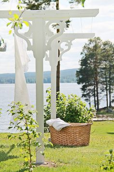 Diy Clothes Line Outdoor Summer 16 Ideas - DIY Clothes Sweater Ideen Outdoor Clothes Lines, Cottage Shabby Chic, Cozy Cottage, English Garden Design, English Style, French Style, Natural Garden, Outdoor Projects, Garden Projects