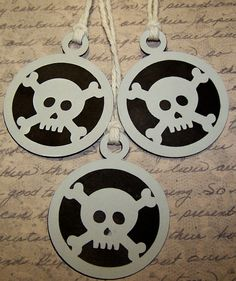 Pirate Skull and Crossbone Gift Tags 12 pcs by Paperquick on Etsy