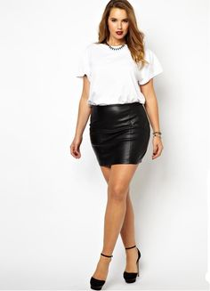 Discover women's plus size clothing with ASOS. Discover plus size fashion and shop ASOS Curve and Plus Size edit for the latest styles for curvy women. Plus Size Mini Skirts, Dress Plus Size, Plus Size Outfits, Denim Mini, Leather Mini Skirts, Curvy Fashion, Plus Size Fashion, Womens Fashion, Plus Size Clothing