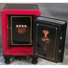 antique safe - Victor 1865