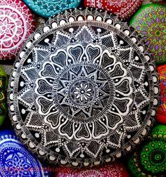 #mandala  https://www.facebook.com/ISassiDelladriatico #paintedstones