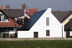 lakóépület, SZOLNOK Tropical Houses, Style At Home, Budapest, Facade, Minimalism, Garage Doors, Country, House Styles, Building