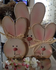 20 Super Easy DIY Wooden Decorations To Beautify Your Home This Easter - design-ideen Bunny Crafts, Easter Crafts, Diy Crafts, Easter Decor, Rabbit Crafts, Wooden Crafts, Wooden Diy, Easter Ideas, Holiday Wood Crafts