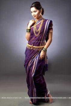 10 Most Beautiful Indian Sarees! Maharashtrian Saree, Marathi Saree, Marathi Bride, Marathi Wedding, Kashta Saree, Saree Poses, Saree Blouse, Saree Photoshoot, Bridal Photoshoot