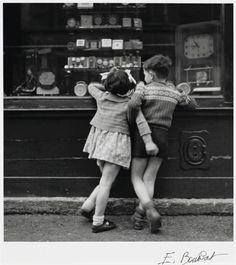 Édouard Boubat - Montmartre, Paris, 1948