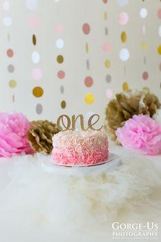 Trendy birthday cake girls flowers pink and gold - Birthday Cake Blue Ideen 1 Year Old Birthday Cake, 1st Birthday Cake For Girls, 1st Birthday Party For Girls, 1st Birthday Cake Smash, Gold Birthday Cake, Girl Birthday Themes, Happy Birthday, Birthday Ideas, Unicorn Birthday