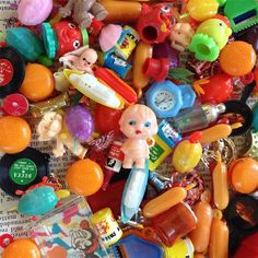 Vintage plastic 100 charms Kewpie flicker records piano Scotties Dice ball Games