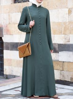 SHUKR's long dresses and abayas are the ultimate in Islamic fashion. Hijab Style Dress, Hijab Chic, Muslim Women Fashion, Islamic Fashion, Abaya Fashion, Fashion Outfits, Muslim Long Dress, Modele Hijab, Hijab Fashionista