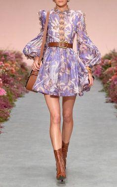 Fashion 2020, Runway Fashion, High Fashion, Fashion Show, Fashion Outfits, Womens Fashion, Fashion Design, Spring Fashion Trends, Spring Summer Fashion