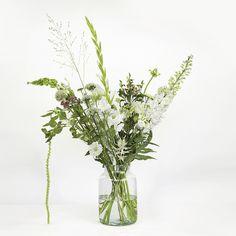 bloomon (@bloomonnl) op Instagram Love Flowers, Wild Flowers, Beautiful Gardens, Flower Power, Flower Arrangements, Glass Vase, Flora, How To Look Better, Instagram Posts