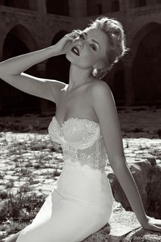zoog bridal 2013 strapless wedding dress lace bodice I would never wear this but it's so gorgeous and has a very vintage quality