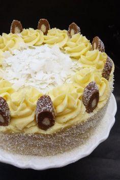 Kókuszos-csokoládés torta - Kifőztük, online gasztromagazin Hungarian Desserts, Hungarian Cake, Hungarian Recipes, No Bake Desserts, Dessert Recipes, Torte Cake, Something Sweet, Sweet And Salty, Easter Recipes