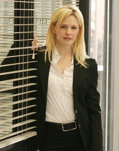 "Kathryn Morris as Lillian ""Lily"" Rush / Cold Case Kathryn Morris, Justin Chambers, Female Cop, White Shirts Women, Tough Girl, Cold Case, Beautiful Celebrities, Favorite Tv Shows, Hollywood"