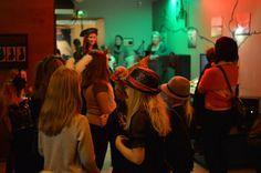 Monsteridiskossa tanssitaan ja vietetään aikaa ystävien seurassa. Lapset saavat toivoa suosikkikappaleitaan DJ:ltä. Luuppi, Oulu (Finland)