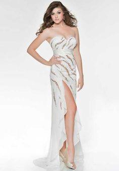 Nina Canacci I38015 at Prom Dress Shop