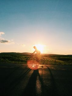 Luciomx | VSCO Grid  #Levis #Commuter #VSCOcam #Sunset #Cycling
