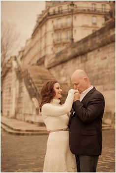 Paris anniversary shoot © Juliane Berry Photography via French Wedding Style