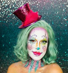 The Only Clown Costume Makeup Tutorial You Need This Halloween - Makeup Products Cool Diy Maquillage, Costume Makeup Tutorial, Cool Halloween Makeup, Halloween Clown, Easy Halloween, Creepy Clown Makeup, Crazy Halloween Costumes, Circus Makeup, Clown Costumes