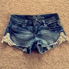 Denim Laced Shorts Tag says 7, but they fit more like a 6! Really cute for the summer and look great with cowgirl boots 😊 Vanilla Star Shorts Jean Shorts