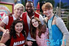 """Austin & Ally"" gets a visit from a big NBA star in tonight's episode. In ""Fanatics & Favors,"" Austin, Ally and Trish learn that Dez has an unexpected relative John Henson, Calum Worthy, Austin Moon, Disney Channel Original, Amazing Songs, Laura Marano, Austin And Ally, Disney Shows, Old Tv Shows"