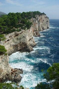 Cliffs of Dugi Otok, Sali, Kroatie - Klik op deze pin voor meer informatie over…