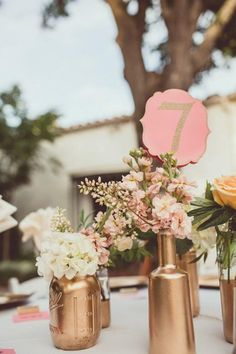 Mountain Wedding Color Inspiration: Perfect Coral and Gold Wedding Ideas Gold Wedding Colors, Pink And Gold Wedding, Copper Wedding, Summer Wedding Colors, Coral And Gold, Mod Wedding, Wedding Color Schemes, Wedding Table, Wedding Flowers