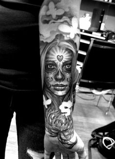 tolle ideen für unterarm tattoo frau motiv