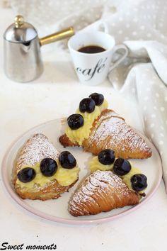 #santarosa #sfogliatella #sfogliatelle #cremapasticcera #amarene #crema #napoli #cake #ricetta #foodblogger #foodblog #gialloblog #giallozafferano
