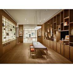 Beauty News: Bibliothek der Düfte   Harper's BAZAAR