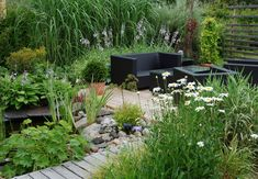 3 Clear Clever Hacks: Backyard Garden On A Budget Flower Beds large backyard garden seating areas.Backyard Garden Vegetable Articles backyard garden on a budget flower beds. Small Backyard Gardens, Modern Backyard, Large Backyard, Small Gardens, Backyard Landscaping, Landscaping Ideas, Walkway Ideas, Path Ideas, Backyard Walkway