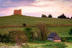 Thatched House and St Catherine's Chapel, Abbotsbury, Dorset, England | von www.joedanielprice.com